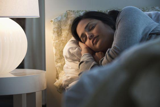 Melatonin giúp con người dễ đi vào giấc ngủ