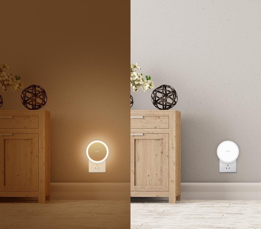 Phòng ngủ sử dụng đèn cảm biến chân tường
