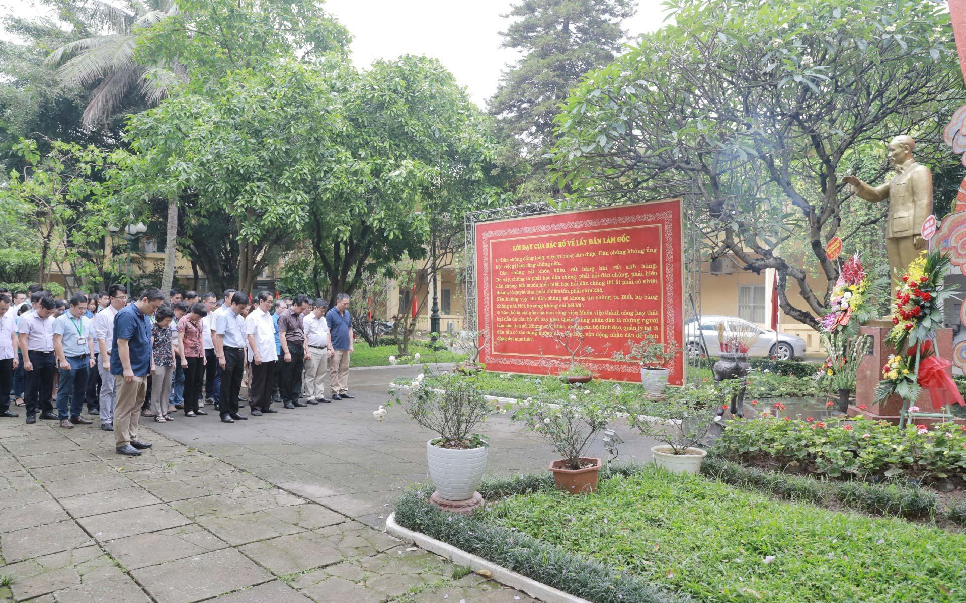 Kỷ niệm 130 năm ngày sinh Chủ tịch Hồ Chí Minh ( 19/5/1890 -19/5/2020)