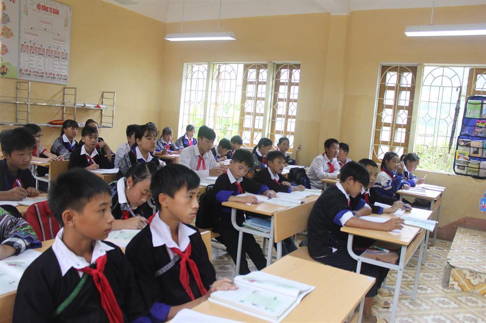 Rạng Đông: Mang ánh sáng học đường lên vùng cao Mù Cang Chải