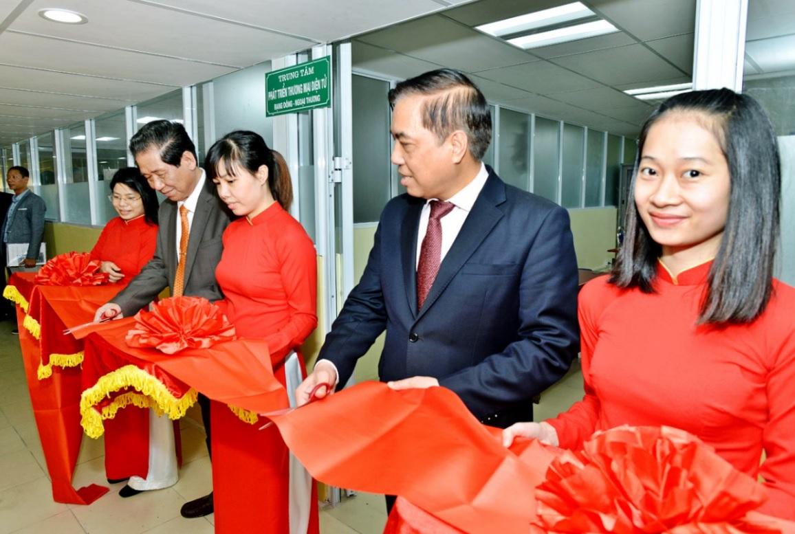 Thành lập trung tâm phát triển thương mại điện tử Rạng Đông- Ngoại thương