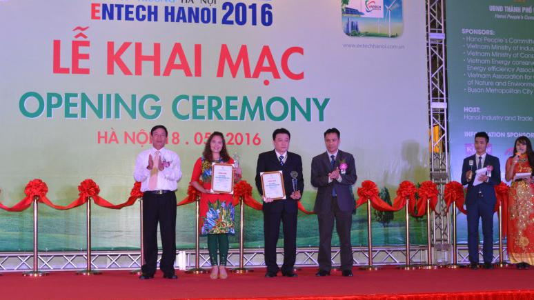 Đèn LED Bulb Rạng Đông đạt giải nhất công nghệ xanh tại Entech Hà Nội 2016